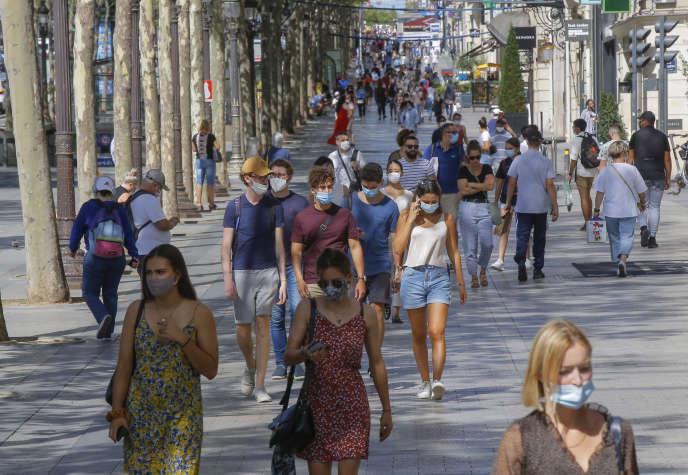 Coronavirus : pourquoi le port obligatoire du masque se généralise en France ?