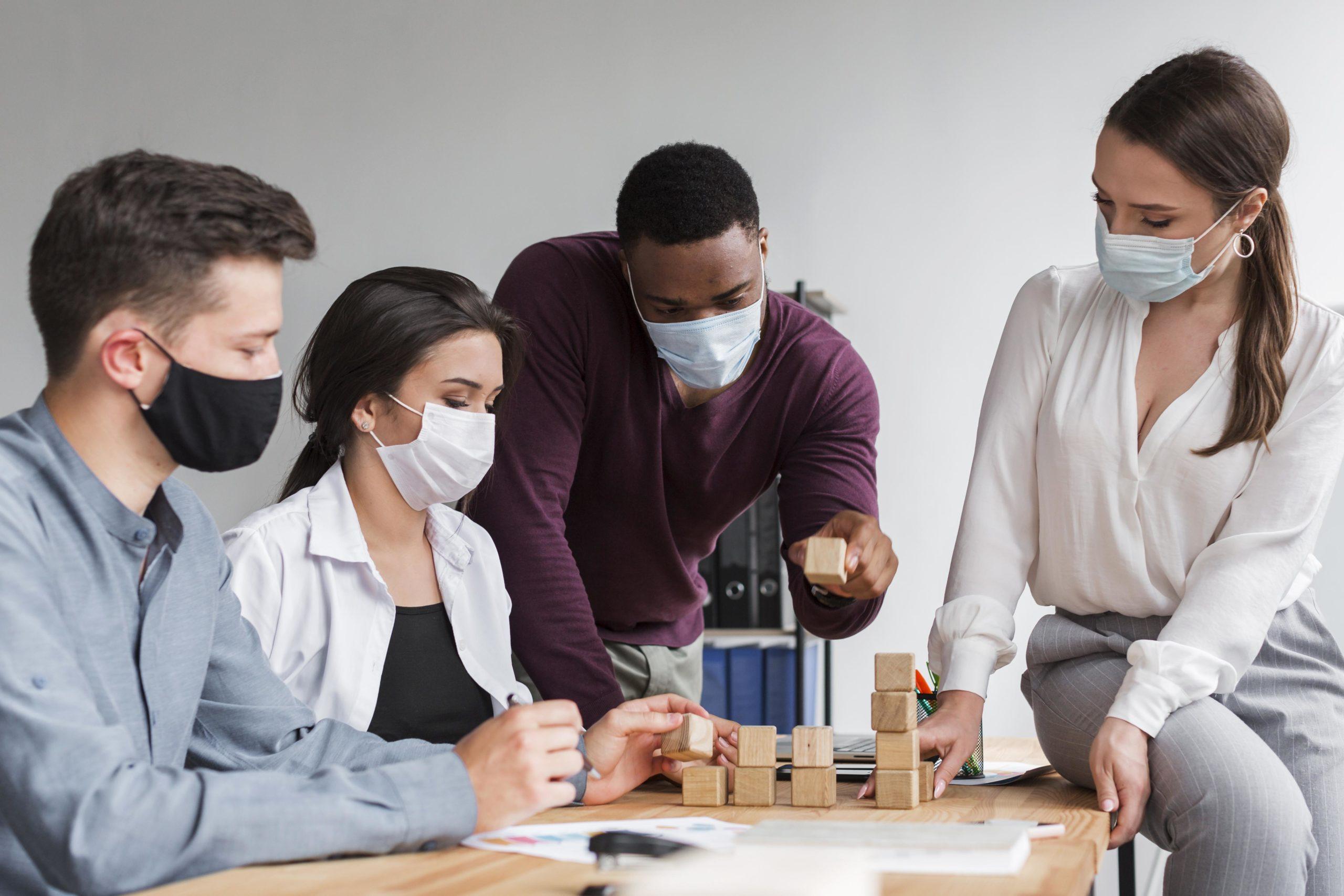 Masques et revêtements faciaux pour la pandémie de coronavirus